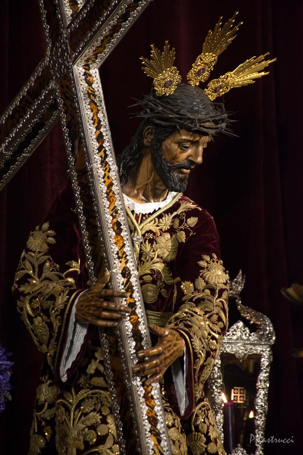 Besapiés Nazareno de la Hdad del Silencio PABLO LASTRUCCI (1)