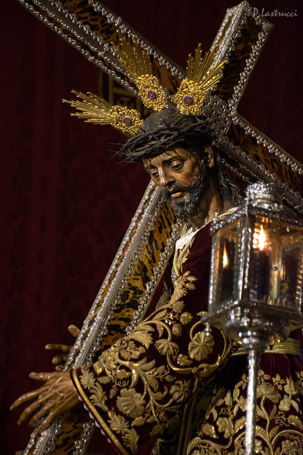 Besapiés Nazareno de la Hdad del Silencio PABLO LASTRUCCI (7)