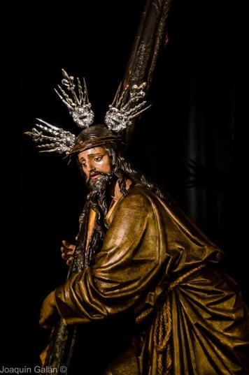 Besapie Cristo de La Corona Joaquín Galán © 2019 006